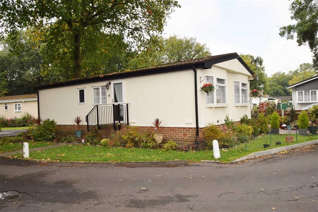 2 Bedrooms Park Home Mobile Home for sale in Clearways