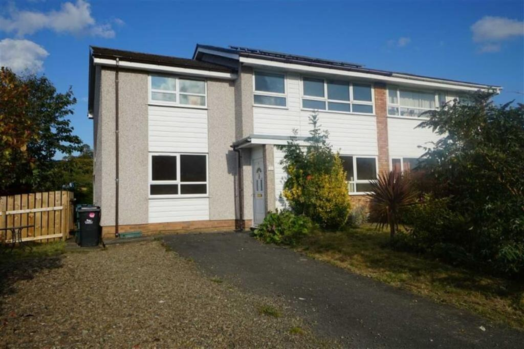 4 Bedrooms Semi Detached House for sale in Maes Melwr, Llanrwst, Conwy