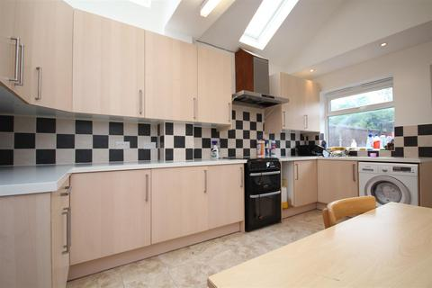 4 bedroom terraced house to rent - Duncan Grove, Acton, W3 7NN