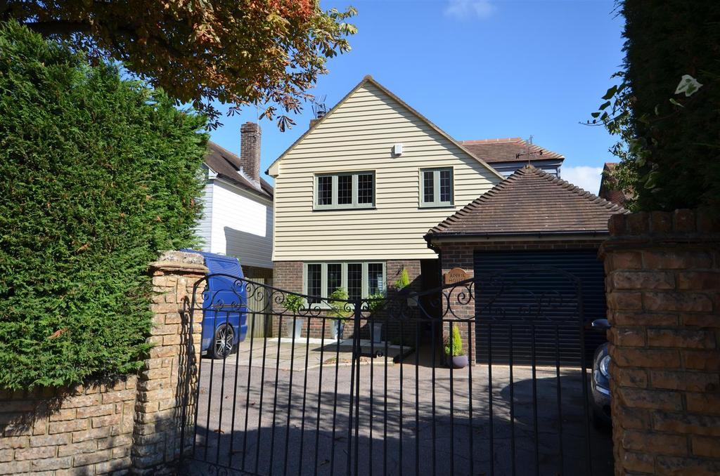 3 Bedrooms Detached House for sale in Main Street, Peasemarsh