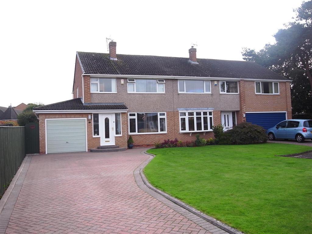 3 Bedrooms Semi Detached House for sale in Carisbrooke Walk, Darlington