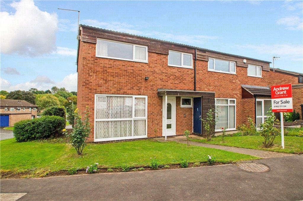 3 Bedrooms Semi Detached House for sale in Oakham Drive, Droitwich, Worcestershire, WR9