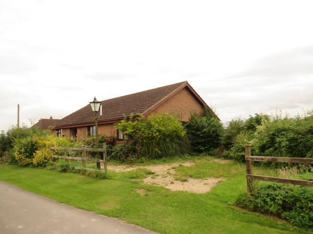 2 Bedrooms Detached Bungalow for sale in ZION ROAD, PALESTINE, GRATELEY SP11