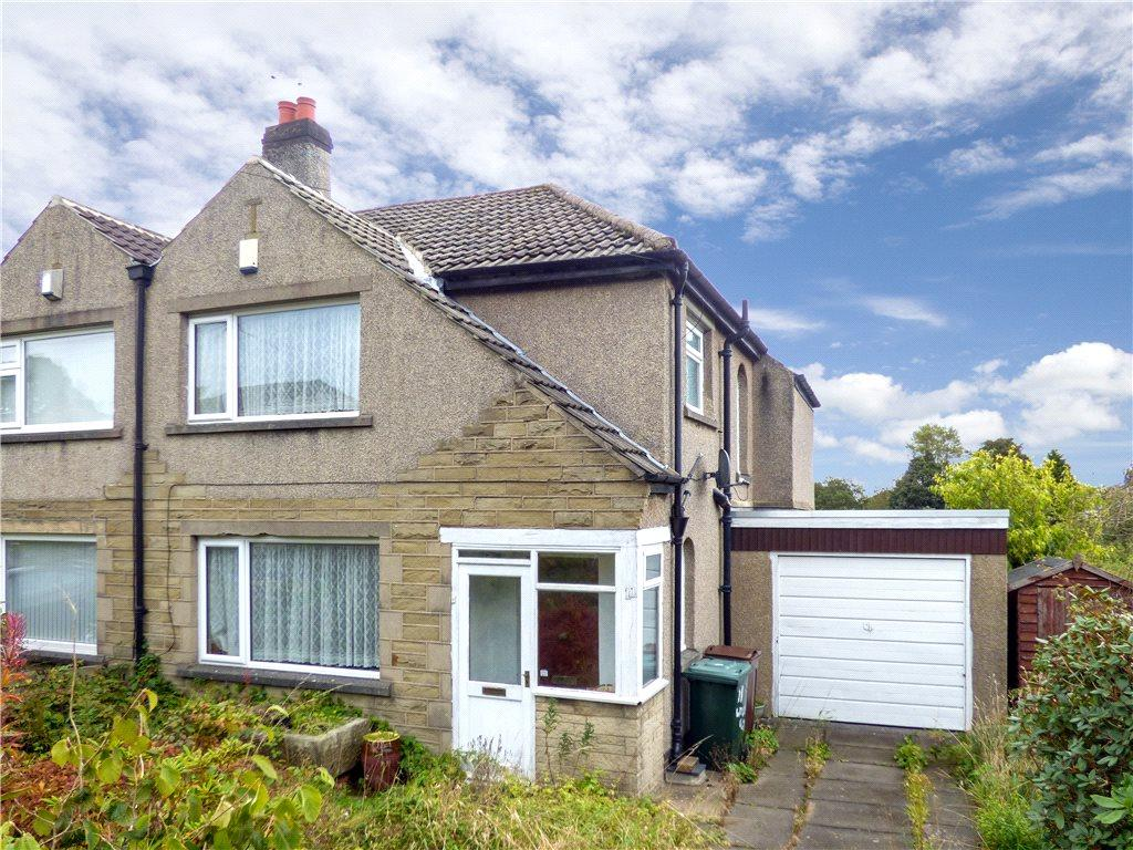 3 Bedrooms Semi Detached House for sale in Woodland Close, Bradford, West Yorkshire