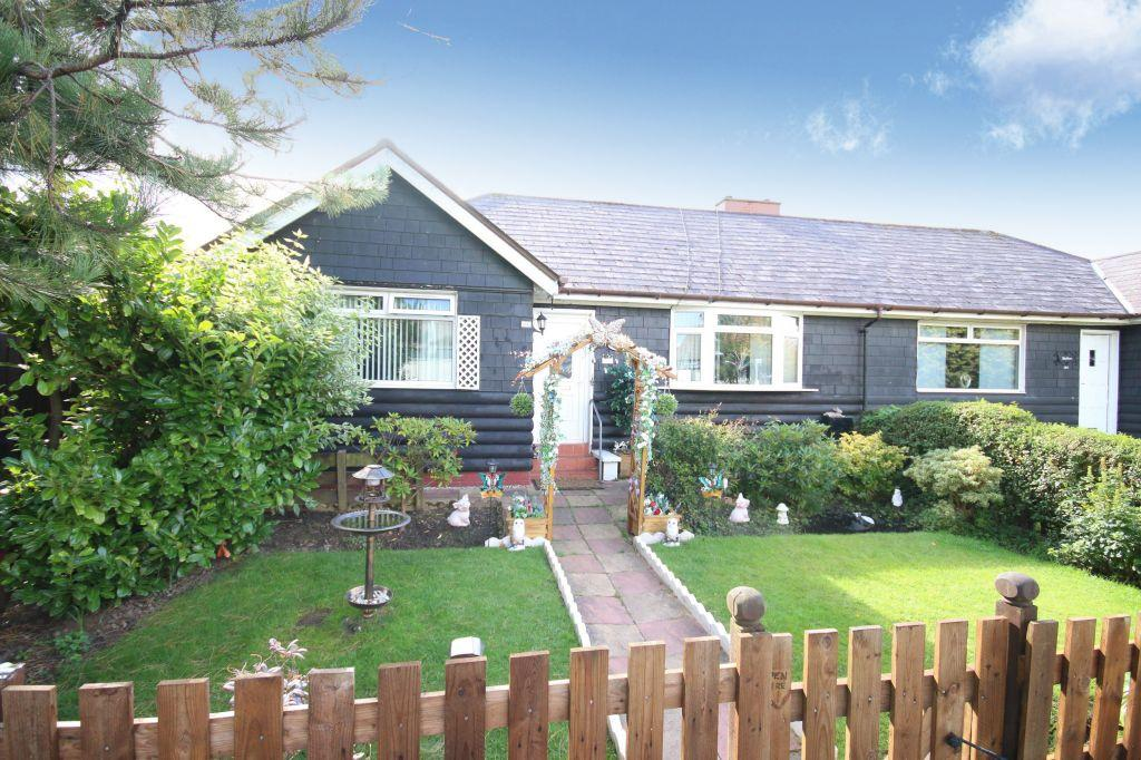 2 Bedrooms Semi Detached Bungalow for sale in 166 Westburn Road, Cambuslang, Glasgow, G72 7SZ