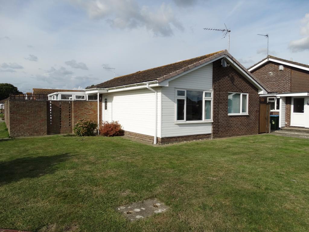 3 Bedrooms Detached Bungalow for sale in Aldwick, Bognor Regis