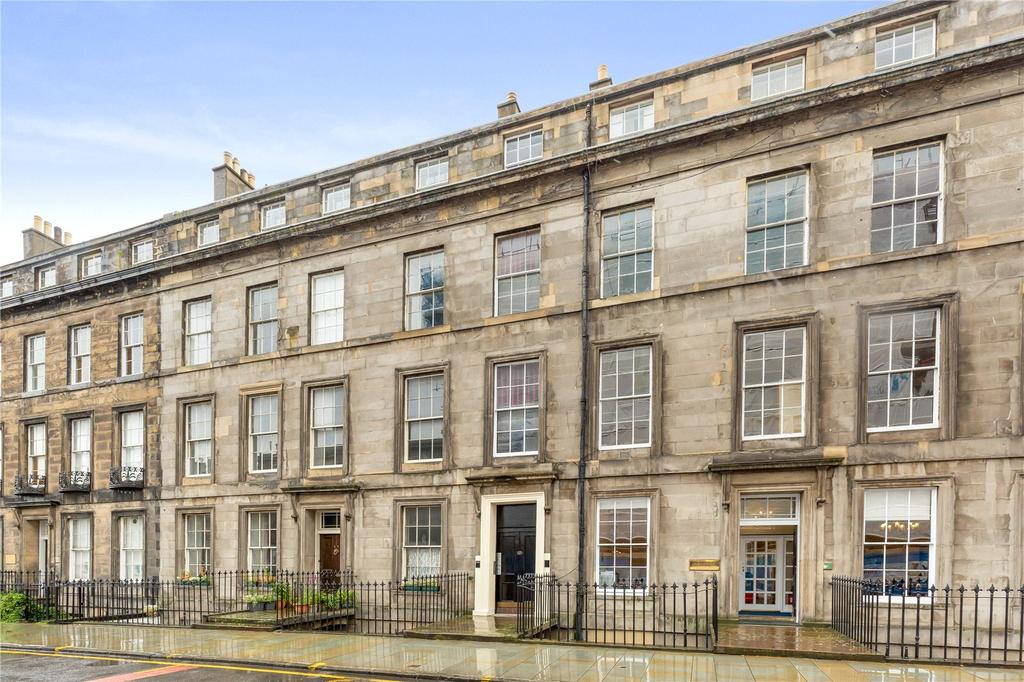 4 Bedrooms Flat for sale in 17 (1F2) Torphichen Street, West End, Edinburgh, EH3