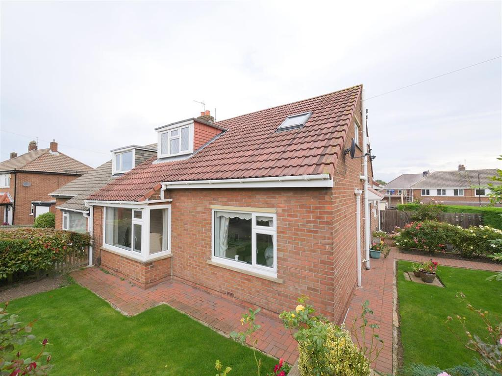 2 Bedrooms Semi Detached Bungalow for sale in Lynford Gardens, Sunderland