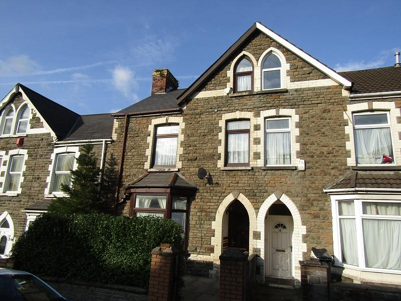 4 Bedrooms Terraced House for sale in Lewis Road, Neath, Neath Port Talbot.