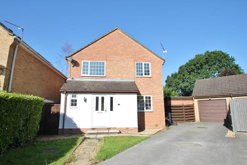 4 Bedrooms Detached House for sale in The Lea, Verwood