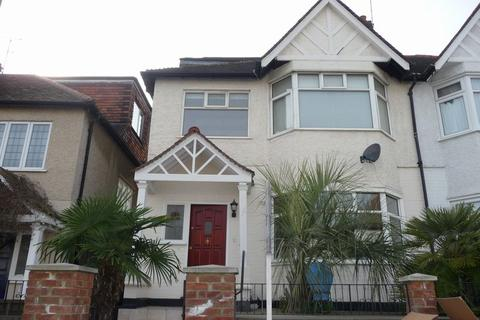 6 bedroom house share to rent - Glebe Crescent, Hendon, London