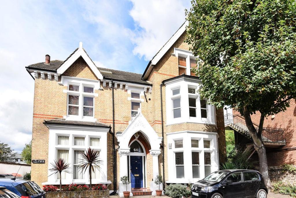 1 Bedroom Flat for sale in Nightingale Lane, Balham