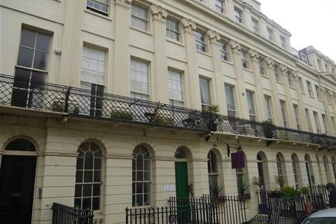 2 bedroom apartment to rent - Oriental Place, Brighton