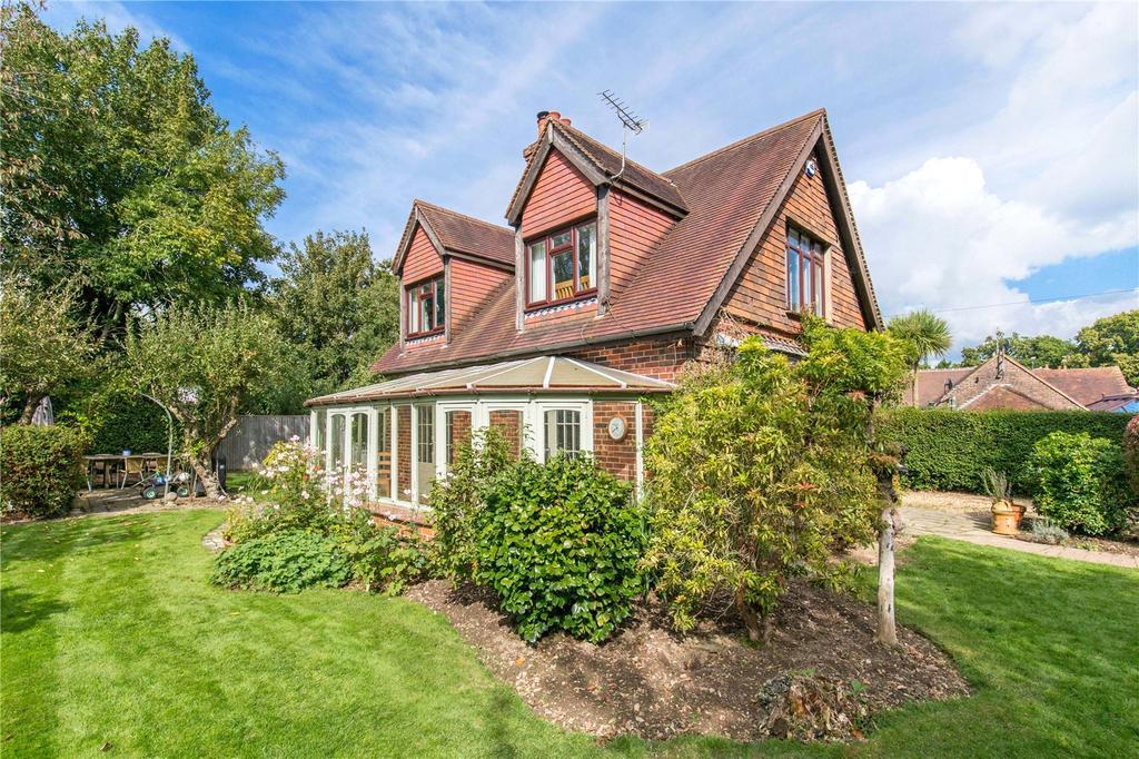 3 Bedrooms Detached House for sale in Wandleys Lane, Walberton, Arundel, West Sussex