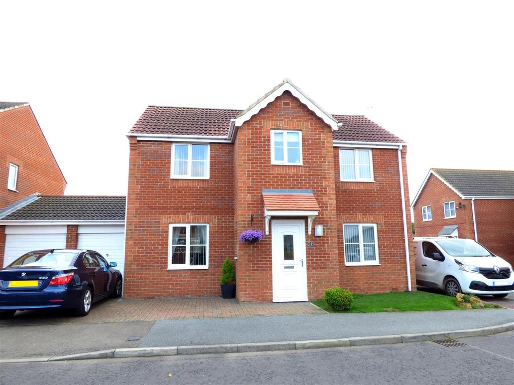 4 Bedrooms Detached House for sale in Lyons Gardens, Hetton-Le-Hole, Houghton Le Spring