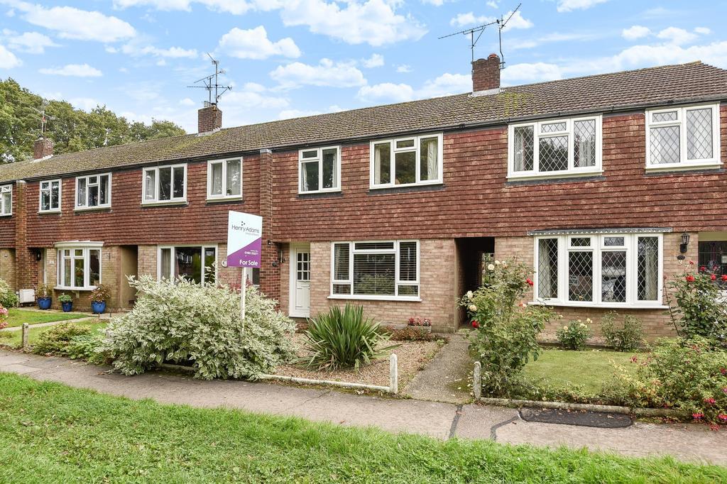 3 Bedrooms House for sale in Farhalls Crescent, Horsham, RH12