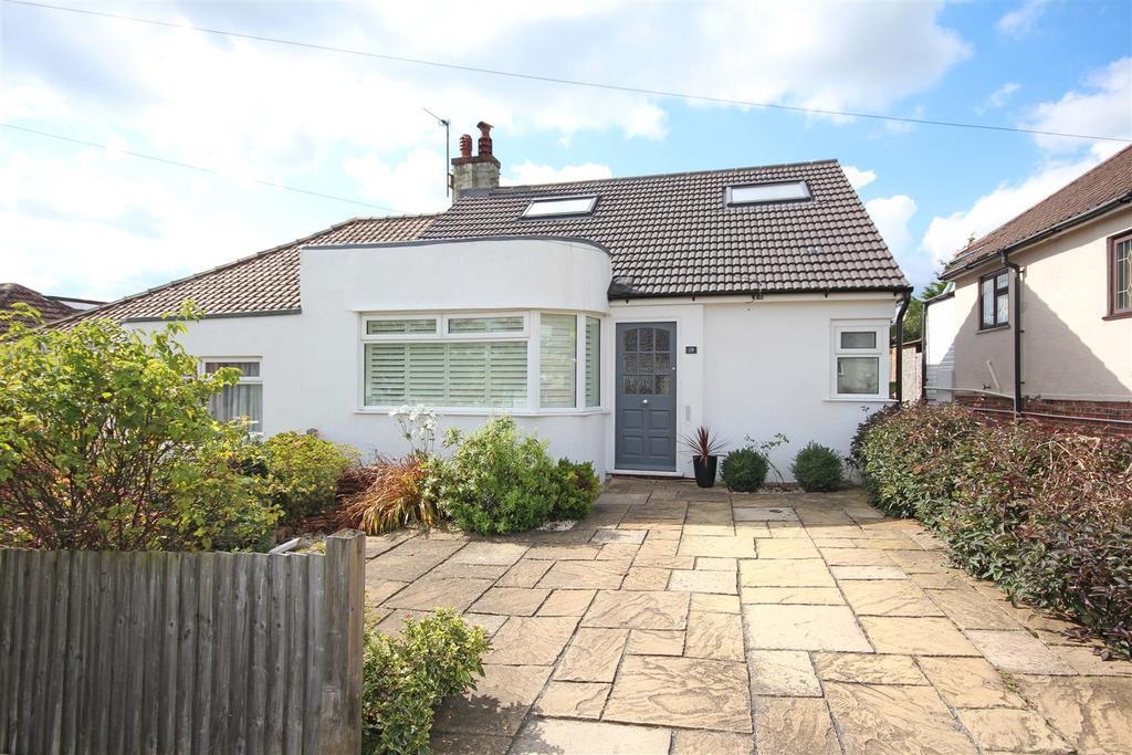3 Bedrooms Semi Detached Bungalow for sale in Bengairn Avenue, Patcham, Brighton