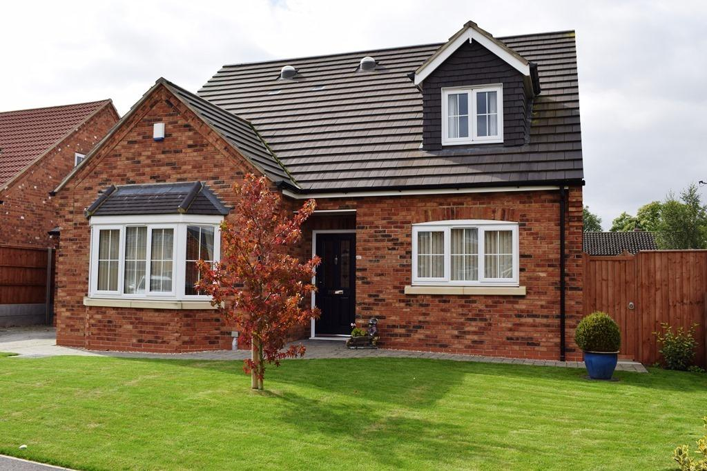 4 Bedrooms Detached Bungalow for sale in Grampian Avenue, Healing