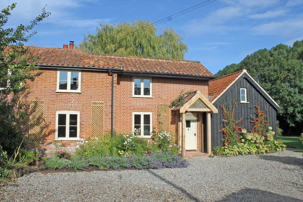 3 Bedrooms Cottage House for sale in Burgh Stubbs, Briningham NR24