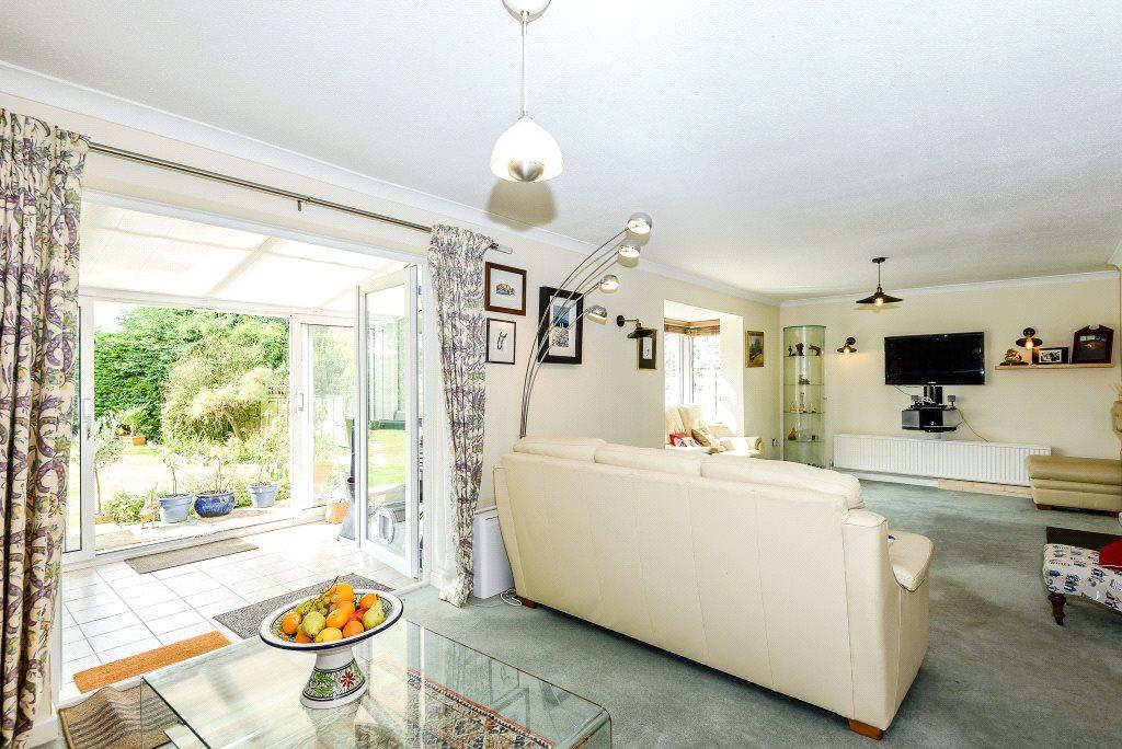 4 Bedrooms Semi Detached House for sale in Milford Park, Salisbury, Wiltshire, SP1