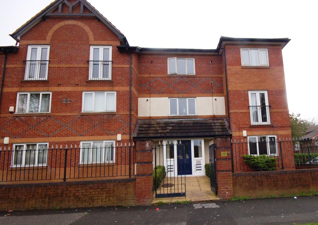 2 Bedrooms Ground Flat for sale in Belvedere Square, 55 Peel Hall Road, Peel Hall, Manchester M22