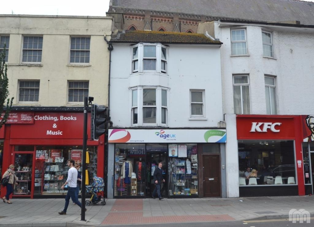 2 Bedrooms Flat for rent in London Road Brighton East Sussex BN1