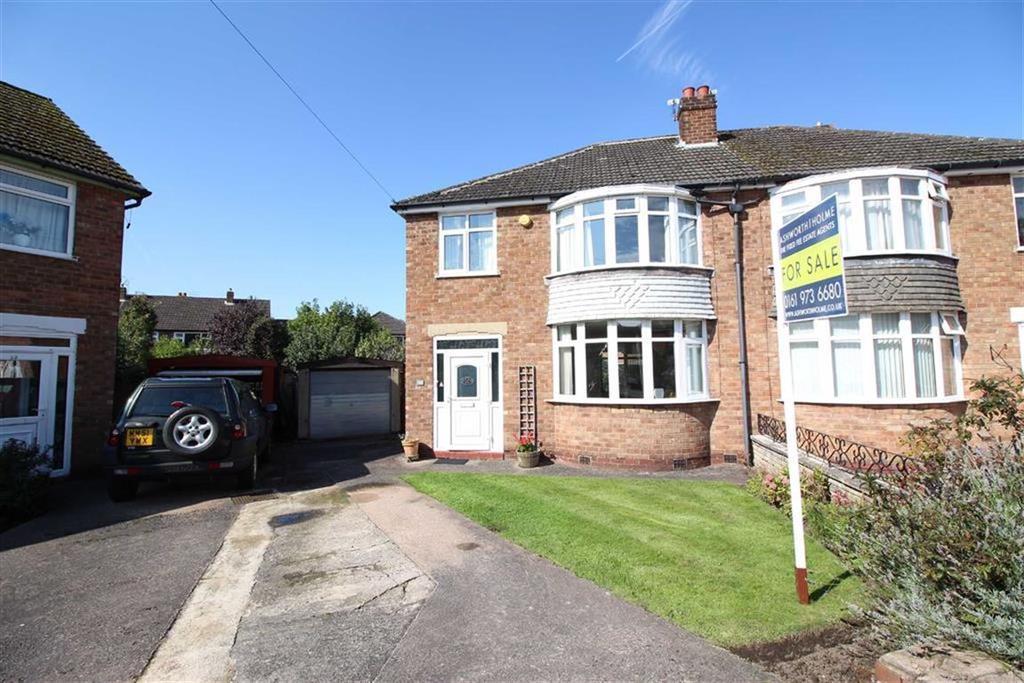 3 Bedrooms Semi Detached House for sale in Blair Close, Sale
