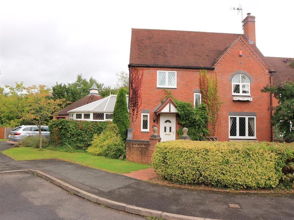 4 Bedrooms Detached House for sale in Mill Fields, Kinver, Stourbridge