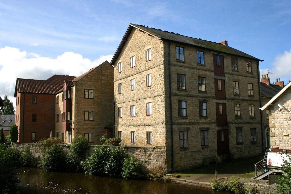 2 Bedrooms Retirement Property for sale in Apartment 1 Mill House, Pickering, YO18 8BJ