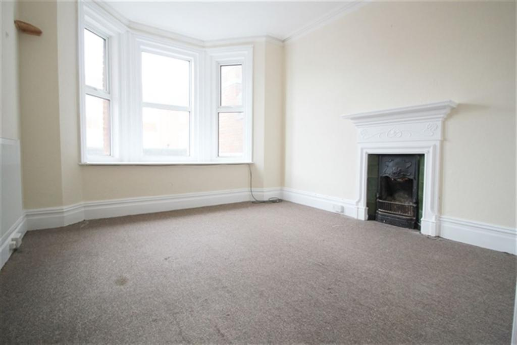 4 Bedrooms Flat for rent in Southbourne Grove, Bournemouth