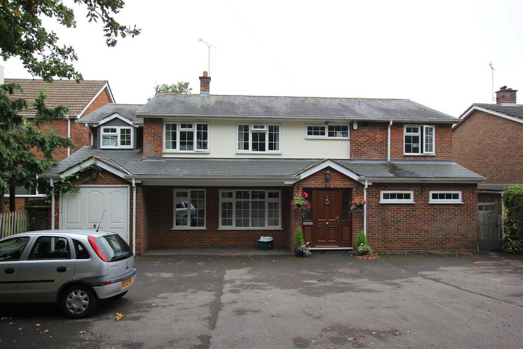 5 Bedrooms Detached House for sale in Sandon, Chelmsford