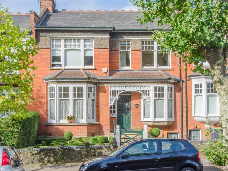 5 Bedrooms Terraced House for sale in Firs Avenue, N10
