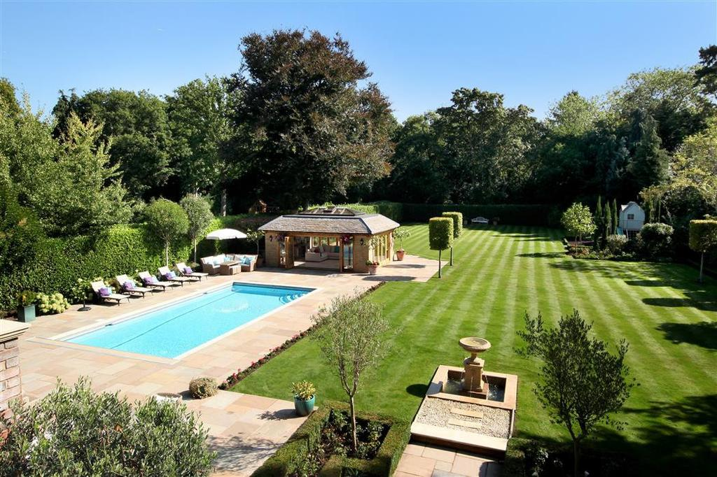 5 Bedrooms House for rent in The Quillot, Walton-On-Thames, Surrey, KT12