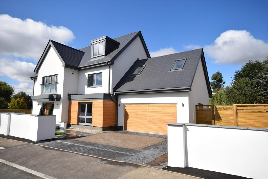 6 Bedrooms Detached House for sale in Riverside, Dunmow, CM6