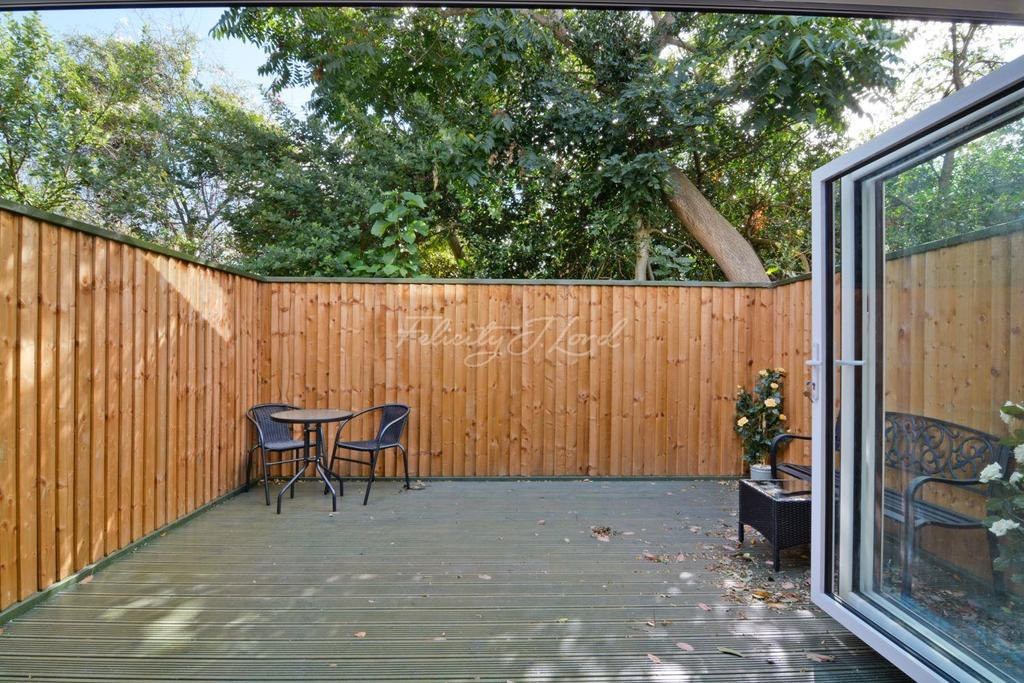 3 Bedrooms Terraced House for sale in Ernest Gardens, W4