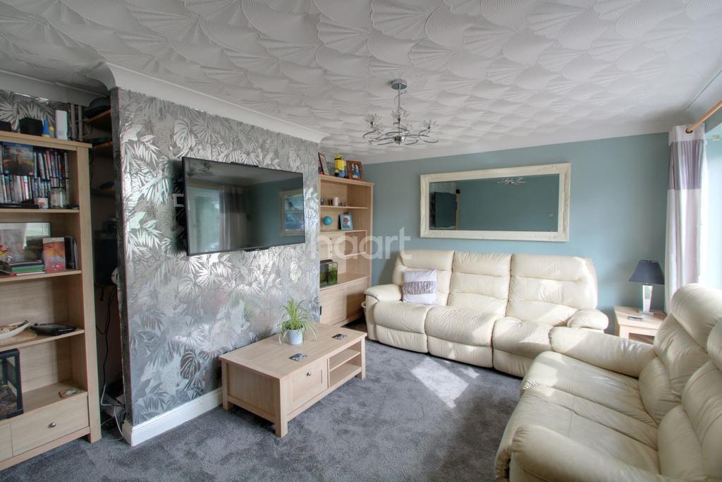 5 Bedrooms Semi Detached House for sale in Saffron Close, Littleport, Ely