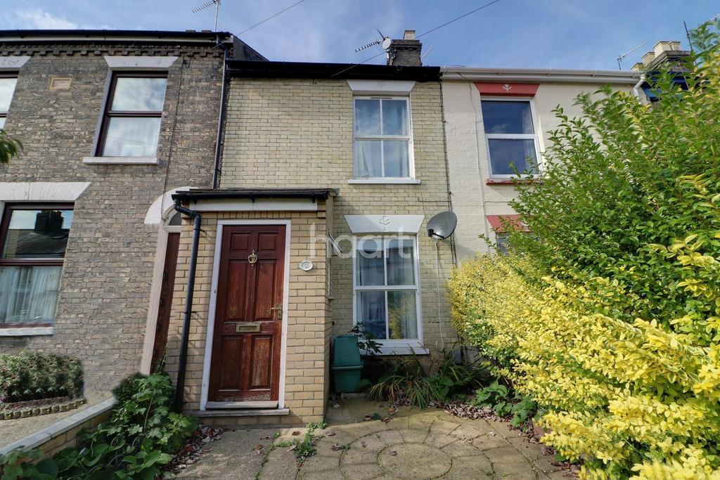 3 Bedrooms Terraced House for sale in Connaught Road