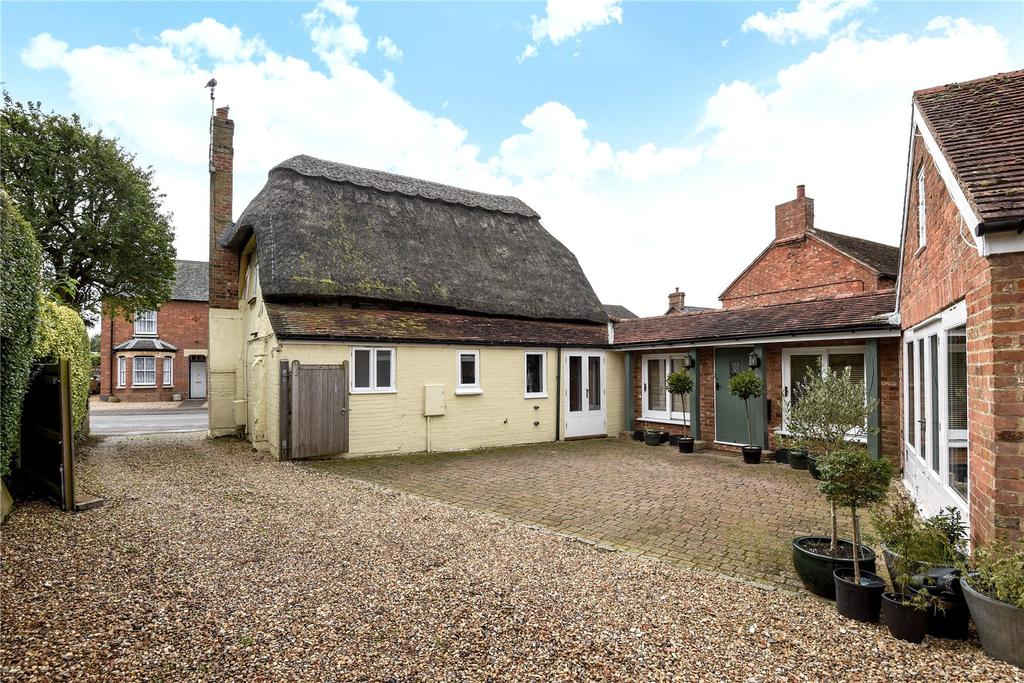 4 Bedrooms Detached House for sale in Stewkley, Leighton Buzzard, Bedfordshire, LU7