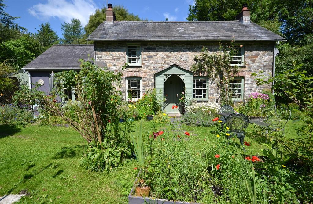 2 Bedrooms Country House Character Property for sale in Brechfa, Carmarthen