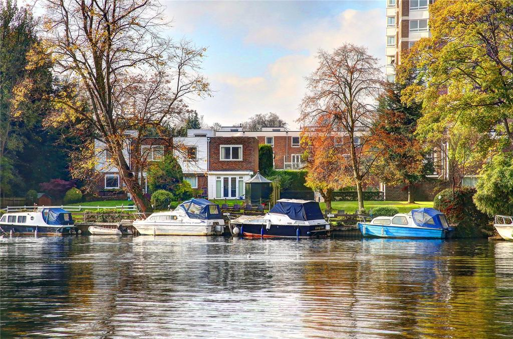 3 Bedrooms Semi Detached House for sale in Broom Park, Teddington, TW11