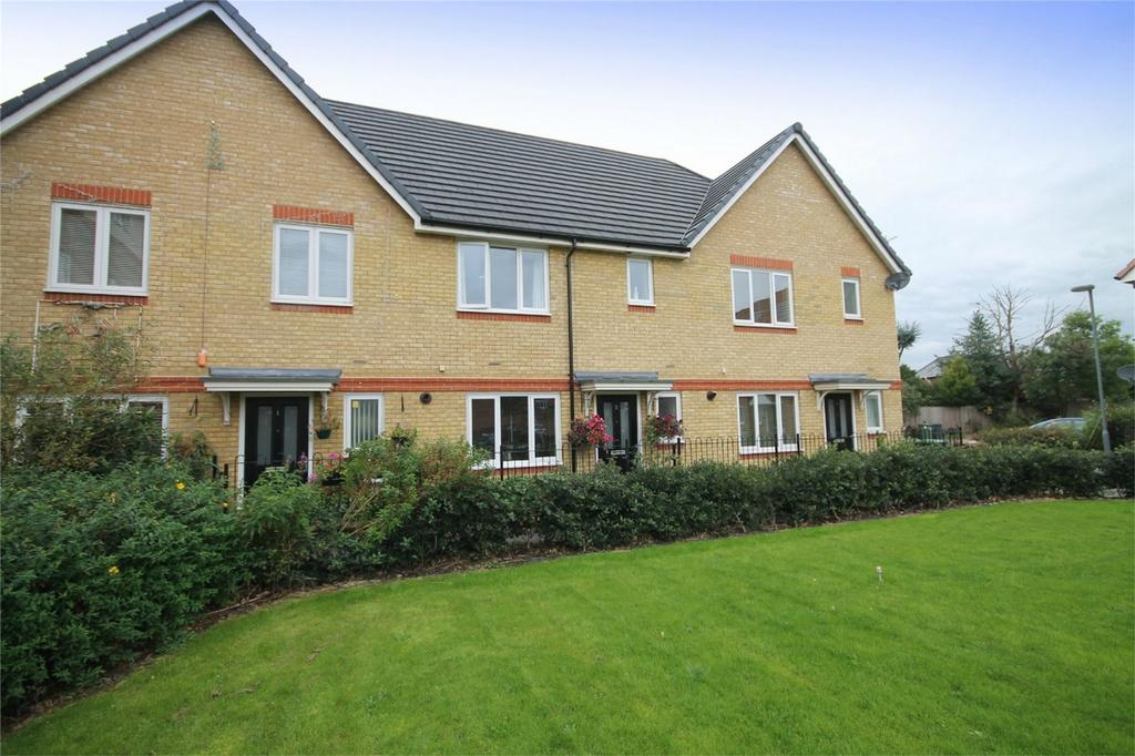 3 Bedrooms Terraced House for sale in Nares Close, Stanwell, Staines-upon-Thames, Surrey