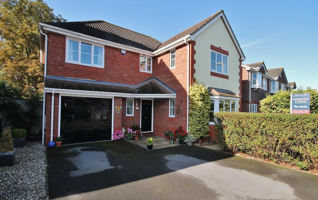 4 Bedrooms Detached House for sale in Bramley