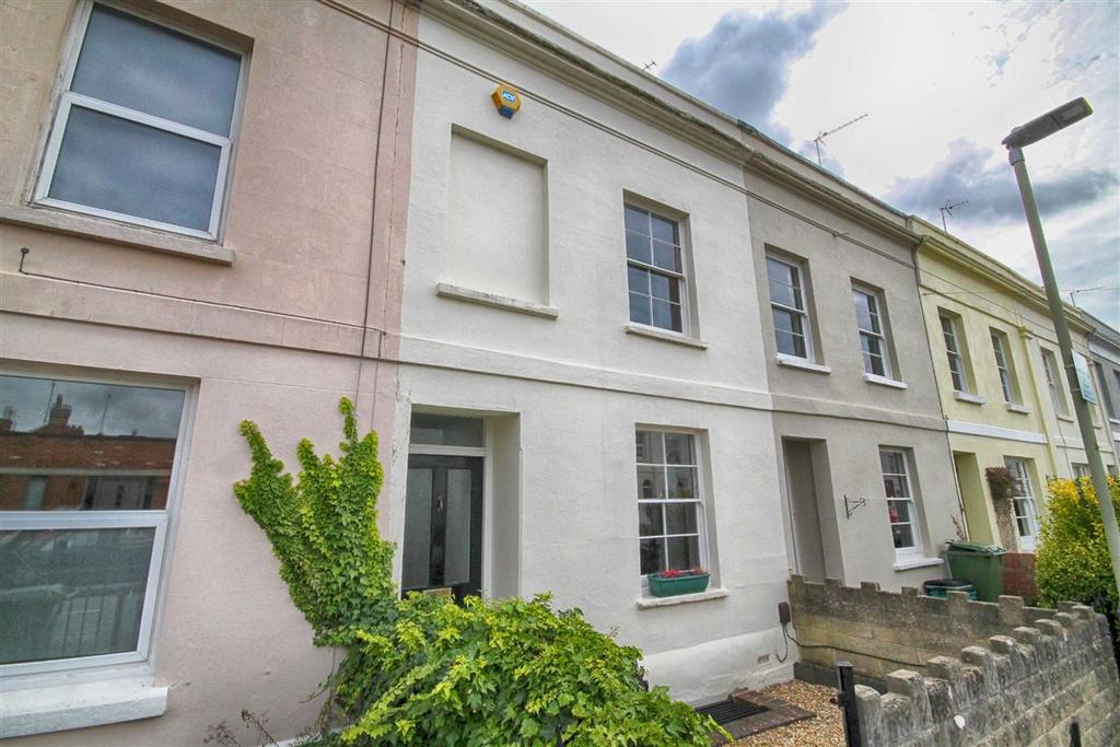 2 Bedrooms Terraced House for sale in Victoria Place, Cheltenham, GL52
