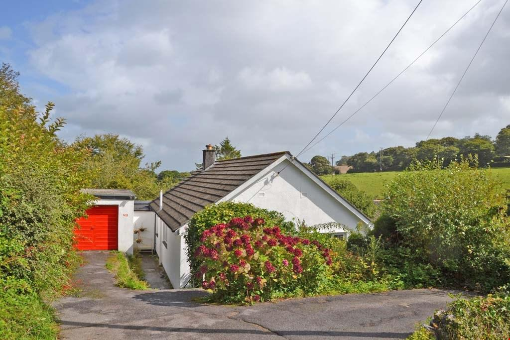 3 Bedrooms Bungalow for sale in Playing Place, Nr. Truro, South Cornwall, TR3
