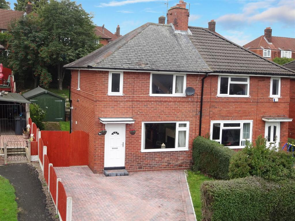 2 Bedrooms Semi Detached House for sale in Victoria Park Grove, Bramley
