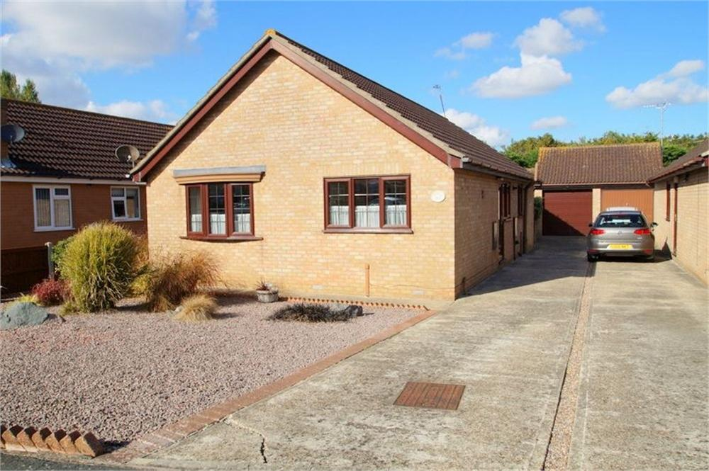 3 Bedrooms Detached Bungalow for sale in Gorse Lane, CLACTON-ON-SEA, Essex