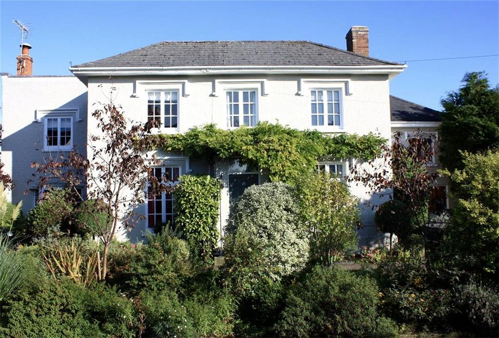 5 Bedrooms Detached House for sale in Moorend Road, Cheltenham, Gloucestershire, GL53
