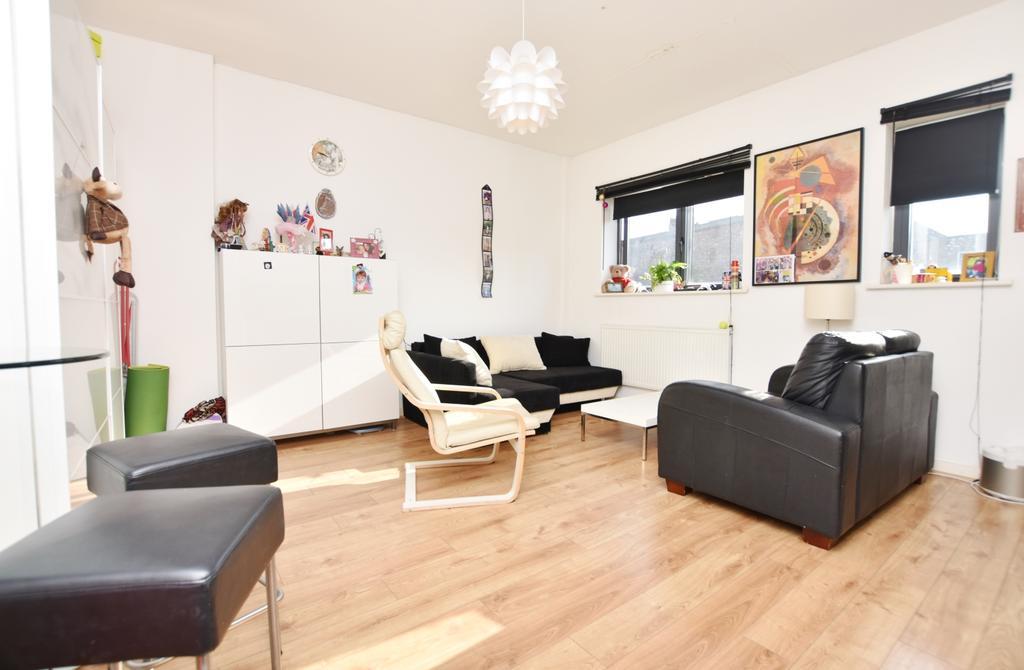 1 Bedroom Flat for sale in Lewisham Road Greenwich SE13