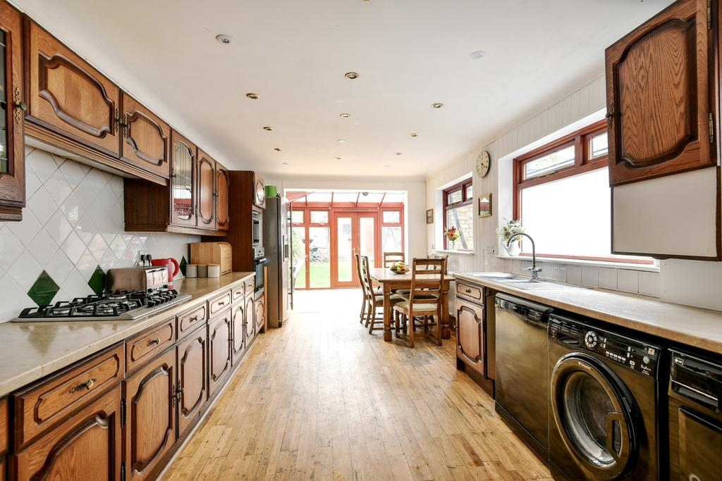 5 Bedrooms Terraced House for sale in Hurstbourne Road Forest Hill SE23