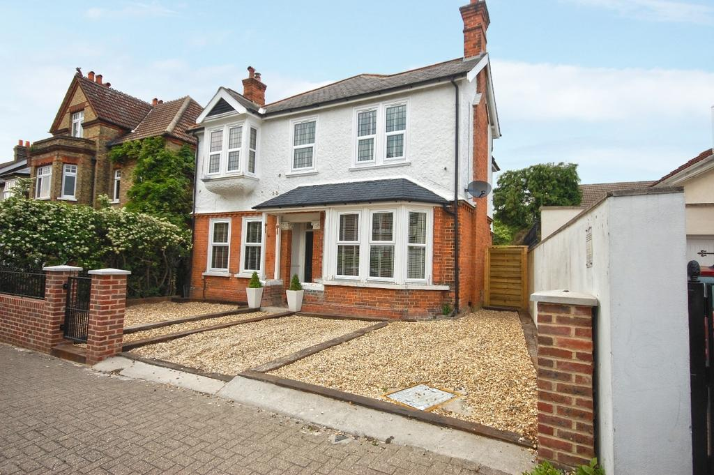 5 Bedrooms Detached House for sale in The Avenue Bromley BR1